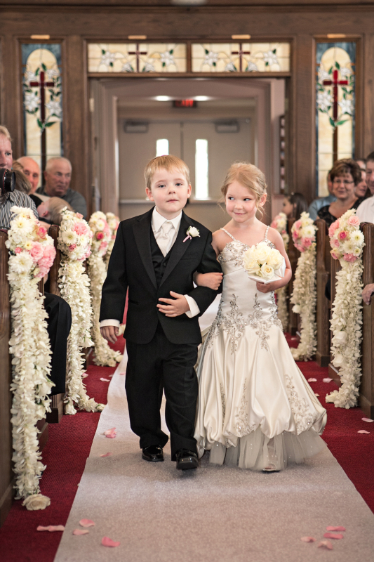 60cd6d65d3f Mini wedding dresses for flower girls will make a great entrance to ...